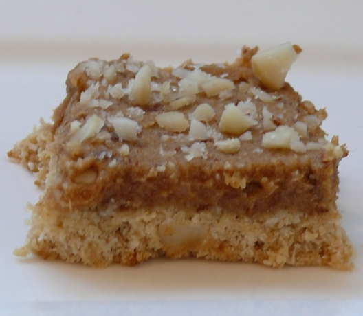 Macadamia Ginger Crunch