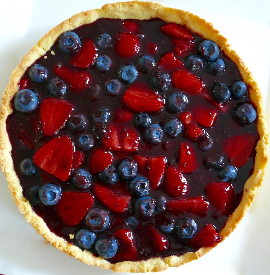 Strawberry & Blueberry Custard Tart | Paleo with cream